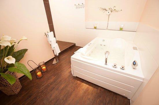 Hotel Am Hopfensee: Privater Whirlpool im Spabereich