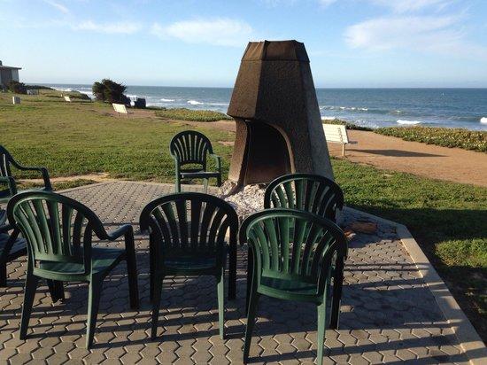 Cavalier Oceanfront Resort: Beach fire places