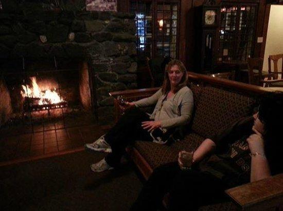 Lake Crescent Lodge: Wood Burning Fireplace in main Lodge