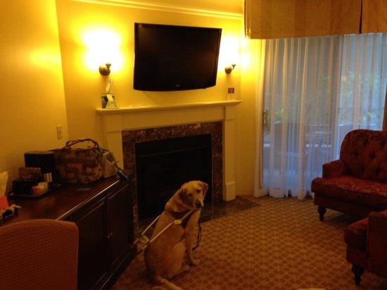 Best Western Plus Victorian Inn : Romantic room.