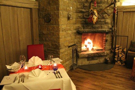 Hotel Am Hopfensee: Candle Light Dinner im Kaminzimmer