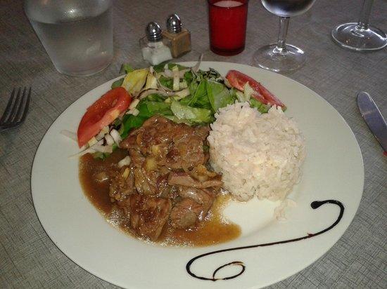 L'alexandre: Fricassé de bœuf -Riz et salade au basalmique