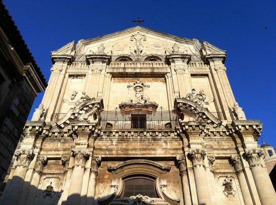 Particolare della facciata della Chiesa San Benedetto