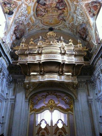 Chiesa San Benedetto, organo
