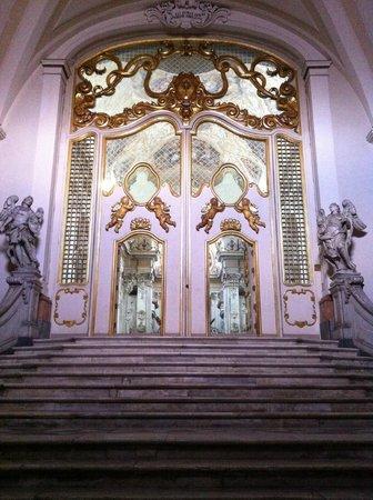 Chiesa San Benedetto, porta di ingresso alla chiesa