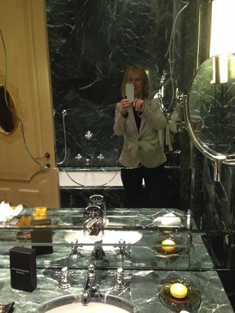 The Gritti Palace, A Luxury Collection Hotel: Marble bathroom