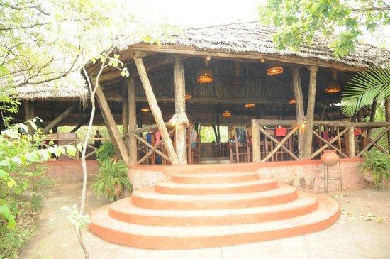Kirurumu Manyara Lodge: Restaurant boma 2