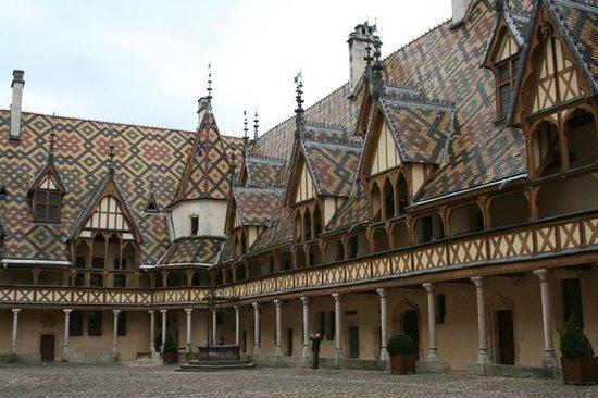 Musée de l'Hôtel-Dieu : Hôtel Dieu de Beaune