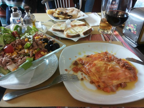 Angelucci Cafe: Our tasty meal