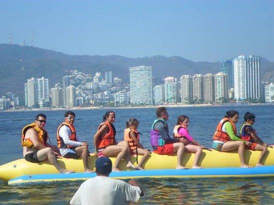 Park Royal Acapulco : La banana en la playa