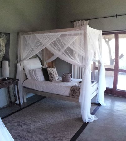 Kambaku Safari Lodge: Bed