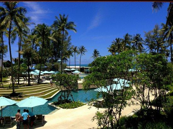Outrigger Laguna Phuket Beach Resort: Бассейн отеля