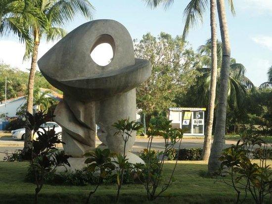 Sol Sirenas Coral Resort: Frente Resort