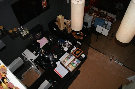 DeDos: view from mezzanine