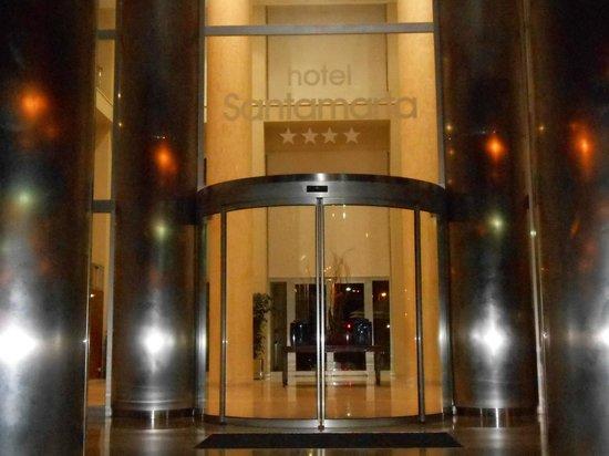 Hotel SantaMarta: Entrada principal