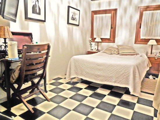 Hotel La Casa del Califa Hotel: comfortable rooms with private bath