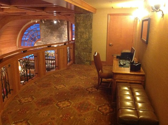 Wyoming Inn of Jackson Hole: guest business area