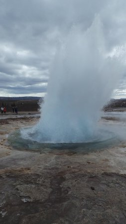 Strokkur: took a while but I managed one
