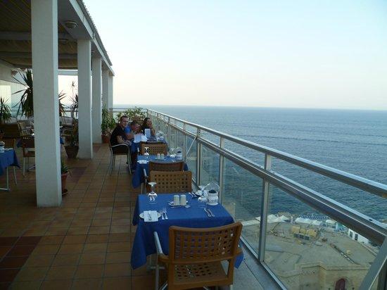 Preluna Hotel & Spa : Etentje op het dak van het hotel
