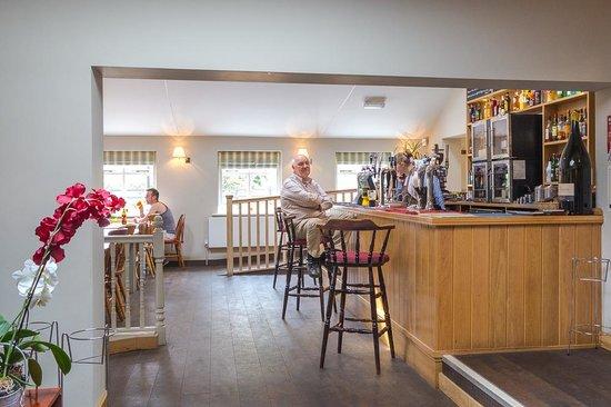 The Abbot's Elm Restaurant: The Abbot's Elm, bar