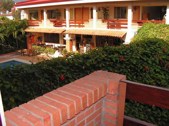 Apartotel La Sabana: Vue sur la piscine !