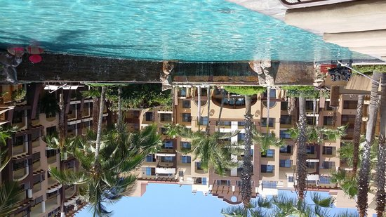 Villa del Arco Beach Resort & Spa: Looking back from one of the pools.