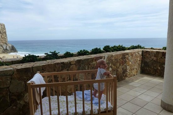 Grand Solmar Land's End Resort & Spa: Crib available