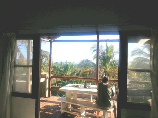 Bibo Sands: Kitchen view of deck (small unit)