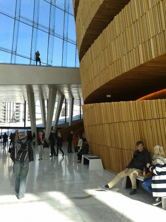 The Norwegian National Opera & Ballet: Timber and natural light