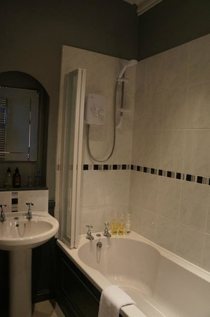 Blarcreen House: Newly renovated bathroom