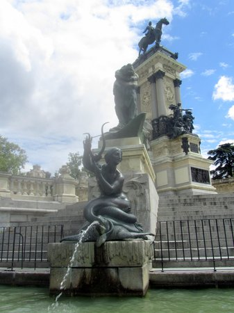 Parque del Retiro: Monumento de Alfonso XII