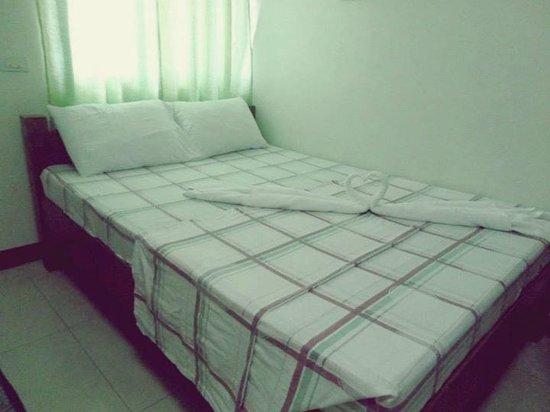 Sea Jewel Beach Resort : Bed