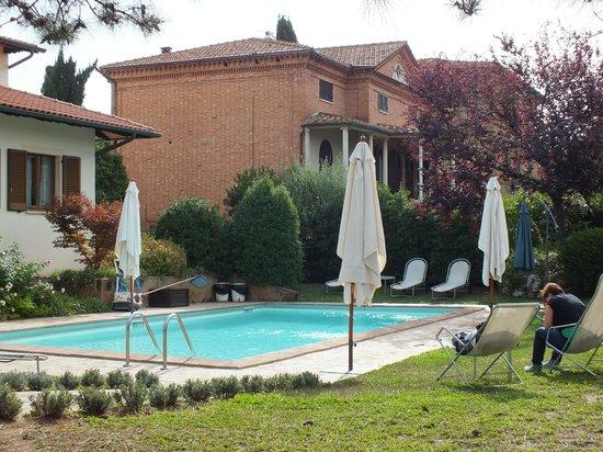 Hotel Rutiliano: scorcio della piscina