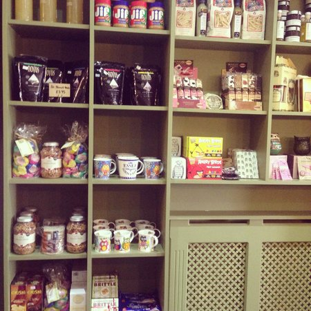 Green Owl Cafe & Deli: Confectionary on display