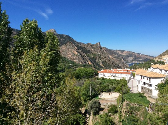 Bed & Breakfast Arroyo de la Greda: Looking down the valley from the B&B