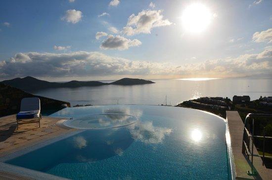 Elounda Gulf Villas & Suites: Le lever du soleil… un must !