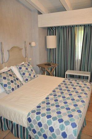Residenza Le Batesine: dettagli camera da letto