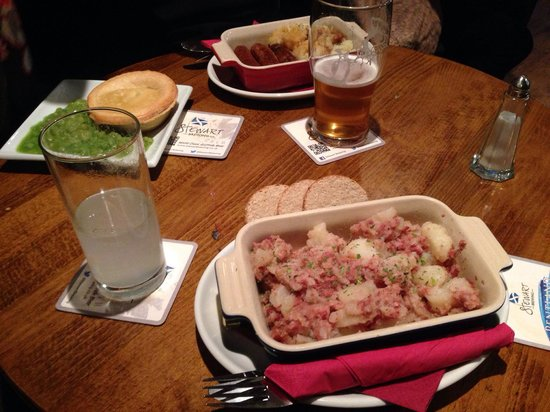 The Halfway House: Sausages and Mash, Beef and Ale Pie and Stovie with Oatcakes.
