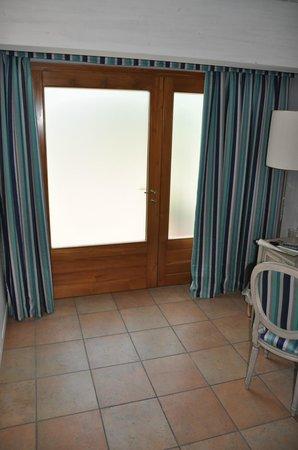Residenza Le Batesine: porta di ingresso