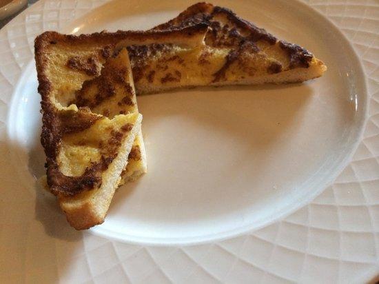 Westport Plaza Hotel: French toast