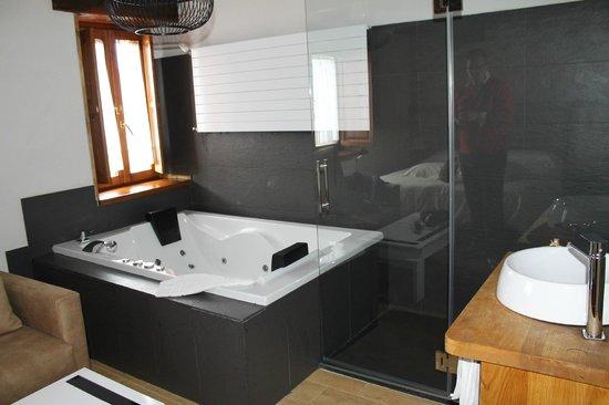 La posada de Somo : Habitación con jacuzzi