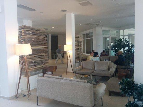 db Seabank Resort + Spa: reception area