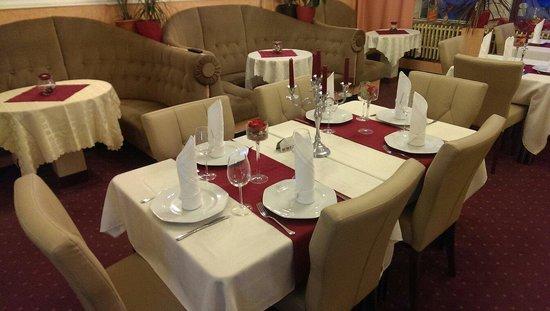Cafe & Restaurant POLONIA