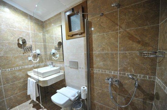 Unsal Hotel: Luxury room Bathroom