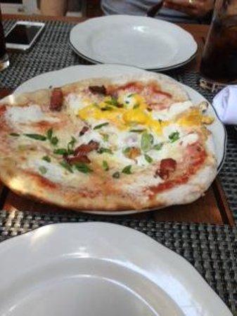Michael's Genuine Food & Drink: Breakfast pizza