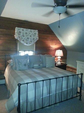 The Inn at Vineyards Crossing: Bedroom