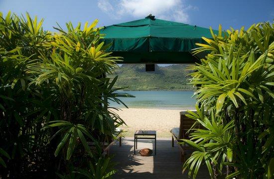Kauai Marriott Resort: Wonderful beach cabana at the Marriott Resort