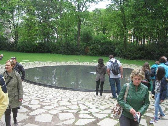 Original Berlin Walks: The Sinti and Roma Memorial near the Reichstag.