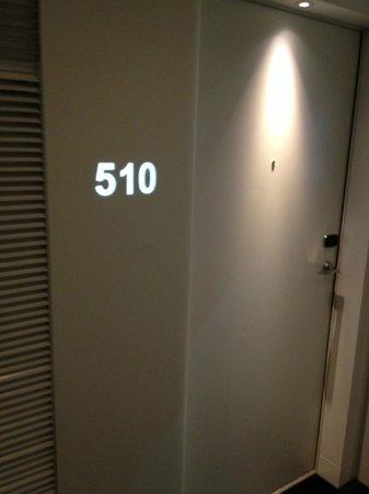 """Hôtel Barrière Lille : Numéro de chb et affichage du """"Do not disturb"""""""