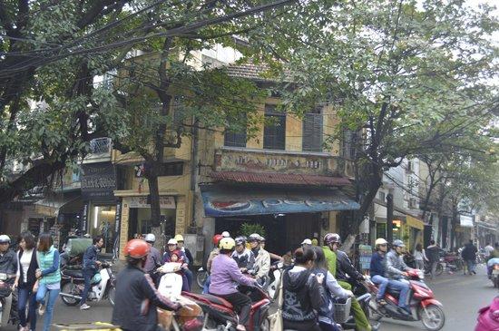 Hanoi Legacy Hotel - Hang Bac : a short walk away